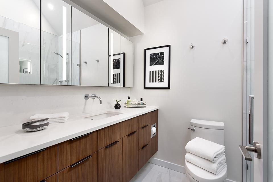 Fairview Slopes Residence - Bathroom