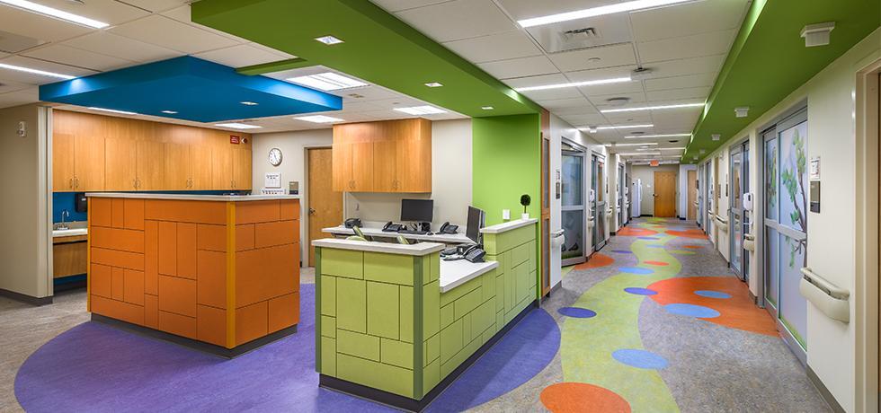Nurse's Station | Lehigh Valley Health Network, Cedar Crest Campus, Pediatric Ambulatory Surgery Center | BDA Architects | Guy Cali Associates, Inc.