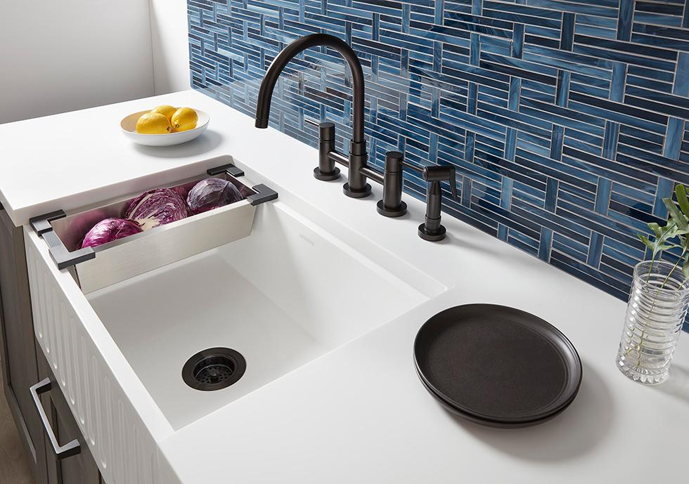 Solid Surface Countertop with Apron Sink