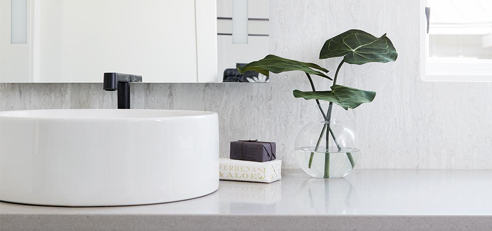 Naturally House @ Serenbe | Quartz in Manhattan and Solid Surface in Angel Falls