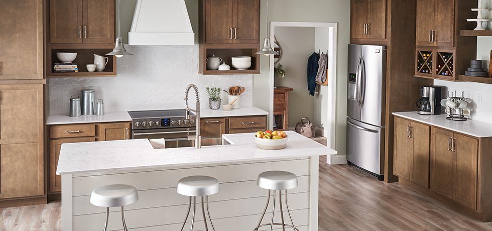 Bright + Airy Kitchen | Quartz Countertops