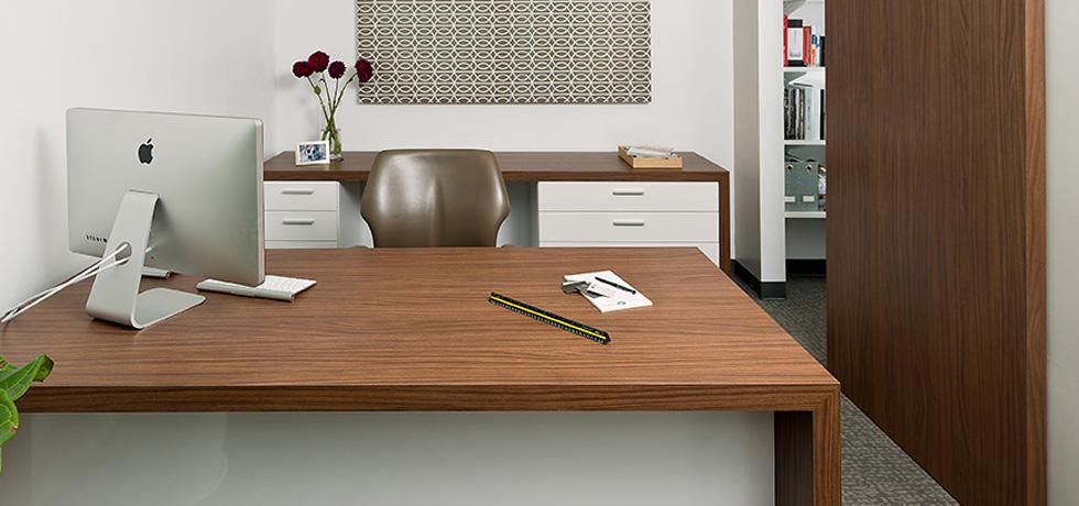Omni Pacific Desk