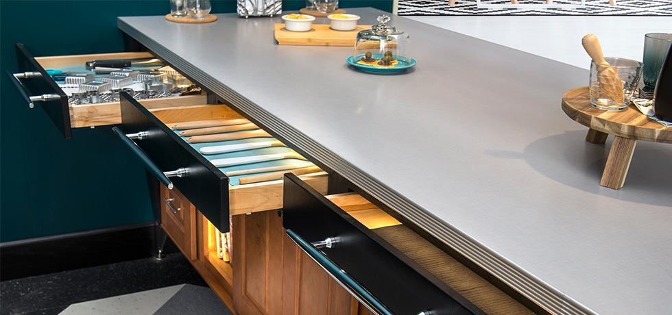 Wellborn Residential Kitchen Feat. Woven Grey Counters